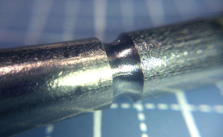 M8ボルトの溝を拡大した画像