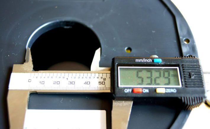 PLA1.75mmフィラメントのスプール穴の計測画像