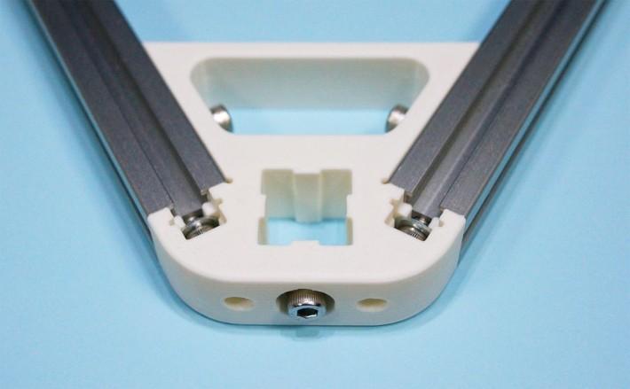 垂直アルミフレーム用のガイドレール