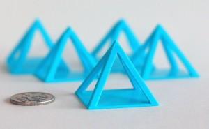 ピラミッドのキャリブレーション・モデルでプリントの質を改善